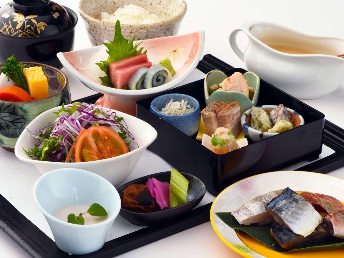 種類豊富なご朝食は、伊豆特産の干物を中心にバランス良くご用意