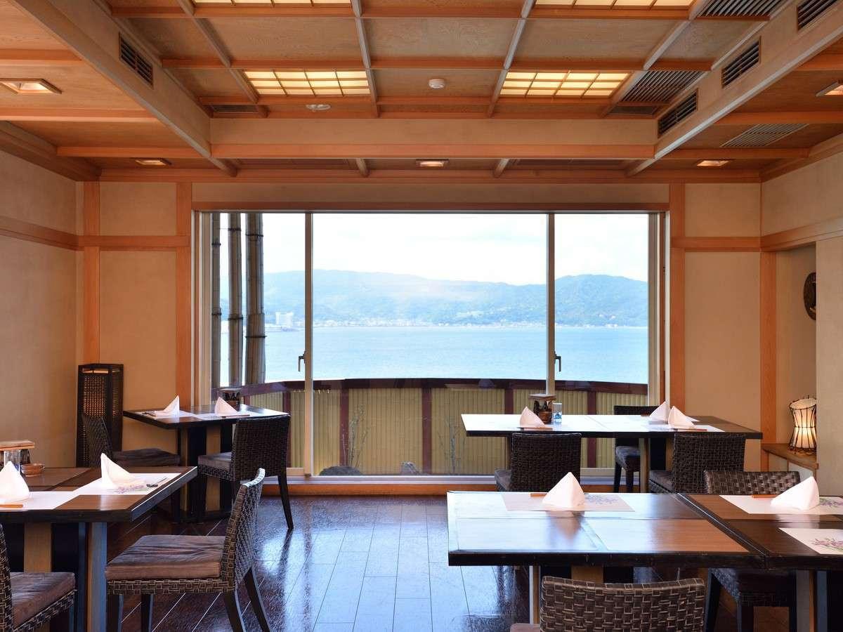 眺望の良い9階の食事処【蒼海】