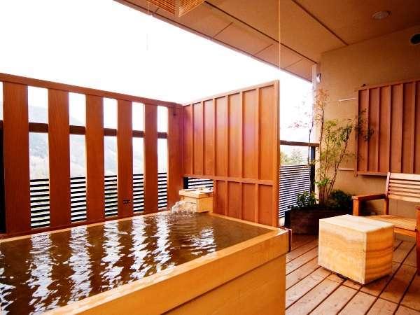 【露天風呂付き和洋室】寛ぎの時間を提供する客室露天風呂