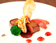 写真:静岡産ふじやま和牛のステーキ トリュフソース